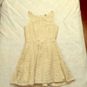 BB Dakota cream lace short dress size 6